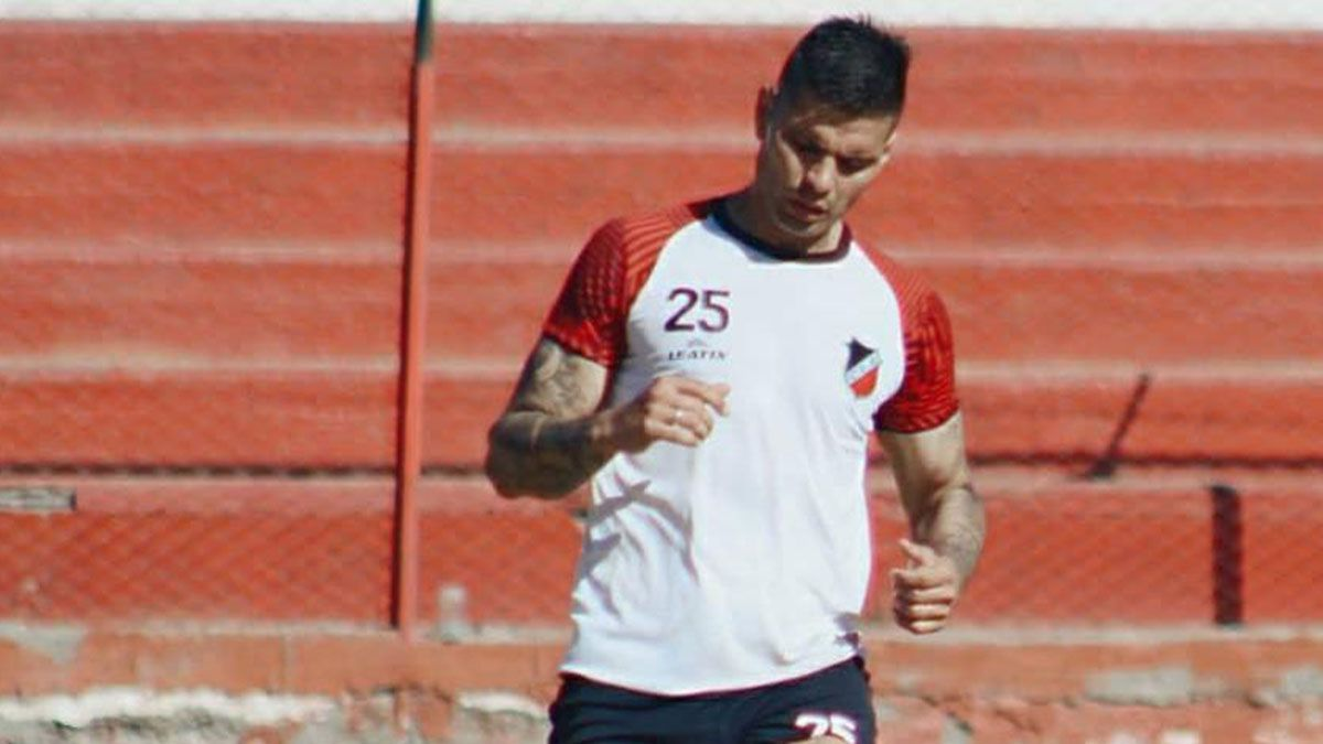 Este es el defensor Leandro Corulo. Foto: gentileza Prensa Deportivo Maipú.