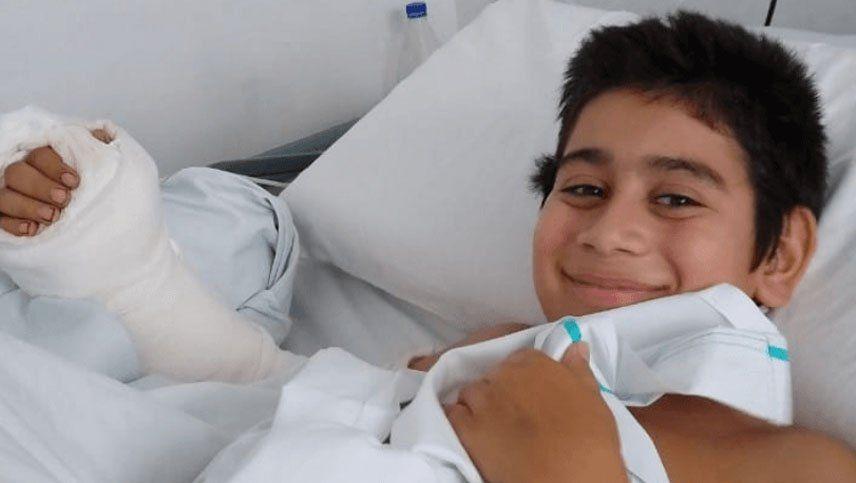 Mamá, le corté la mano a Thiago: tras nueve horas de operación, 18 médicos le salvaron la mano a un nene de 11 años