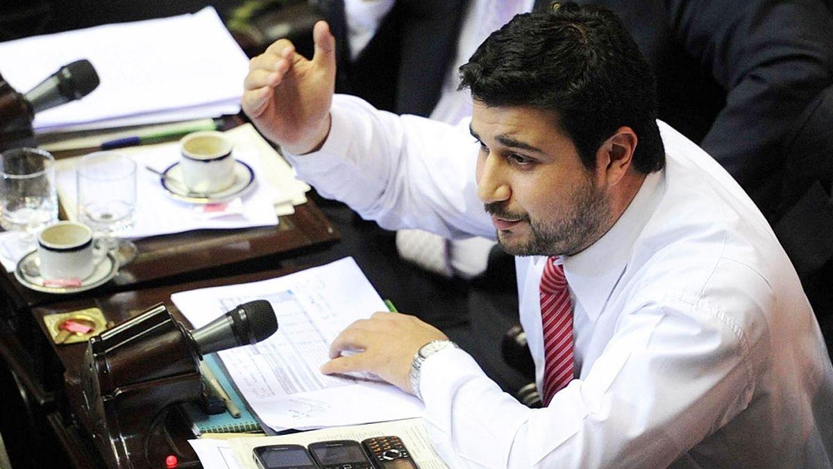 Marcos Cleri preside Comisión Bicameral de Trámite Legislativo. Avalaron los de DNU del Ejecutivo para enfretar al covid con la suspensión de la clases presenciales.