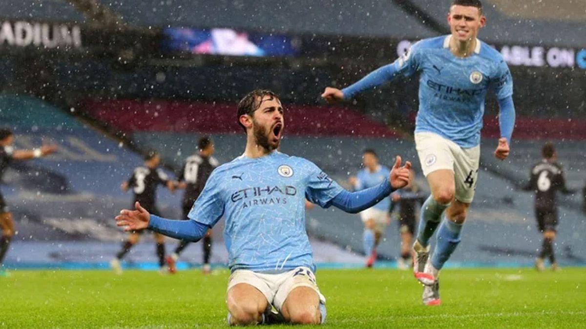 El Manchester City derrotó al Aston Villa en un postergado