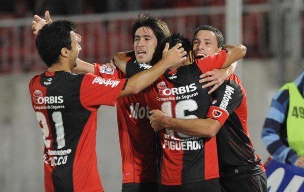 Gran triunfo de Newells que lo puso en la punta del grupo en la Copa Libertadores