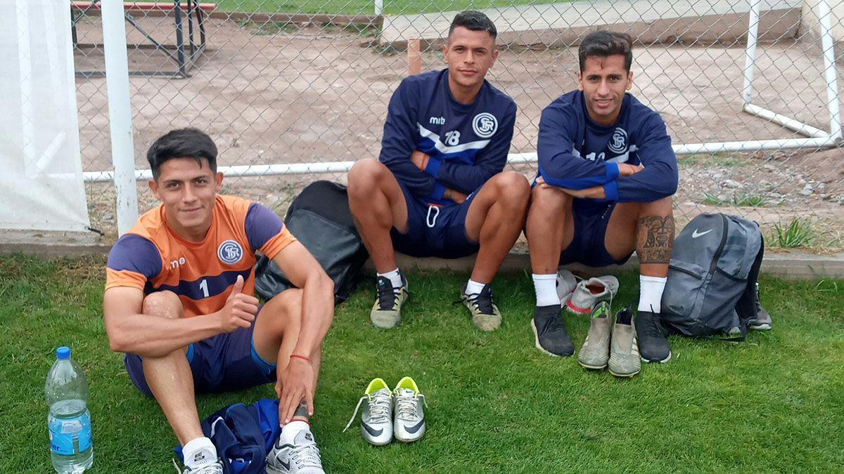 El plantel de Independiente Rivadavia se entrenó en el predio de FADEP.