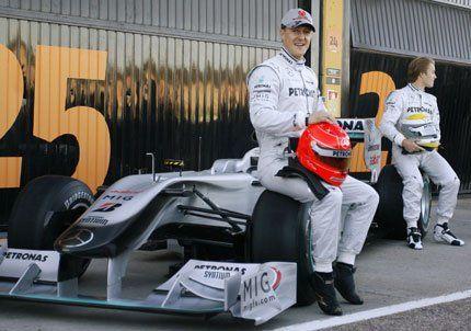 Schumacher presentó el Mercedes con el que volverá a la Fórmula 1