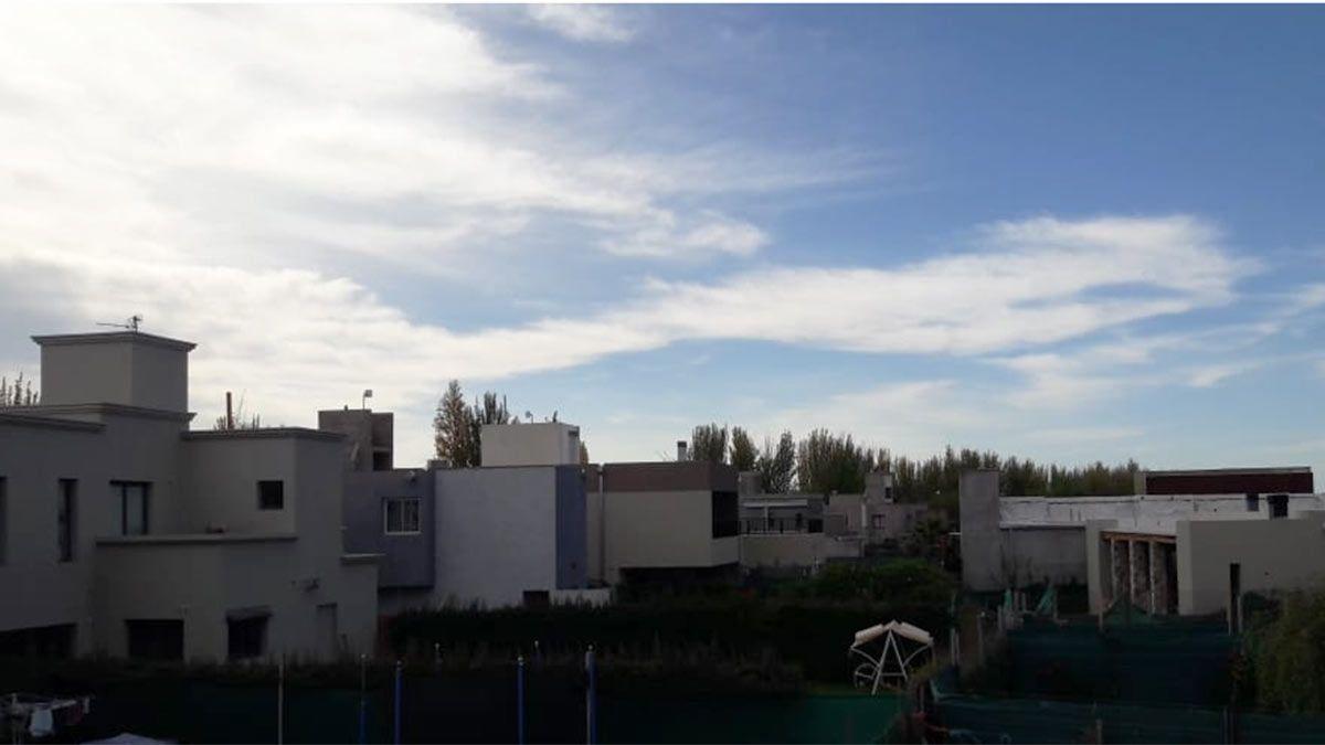 El cielo estará algo nublado en Mendoza.