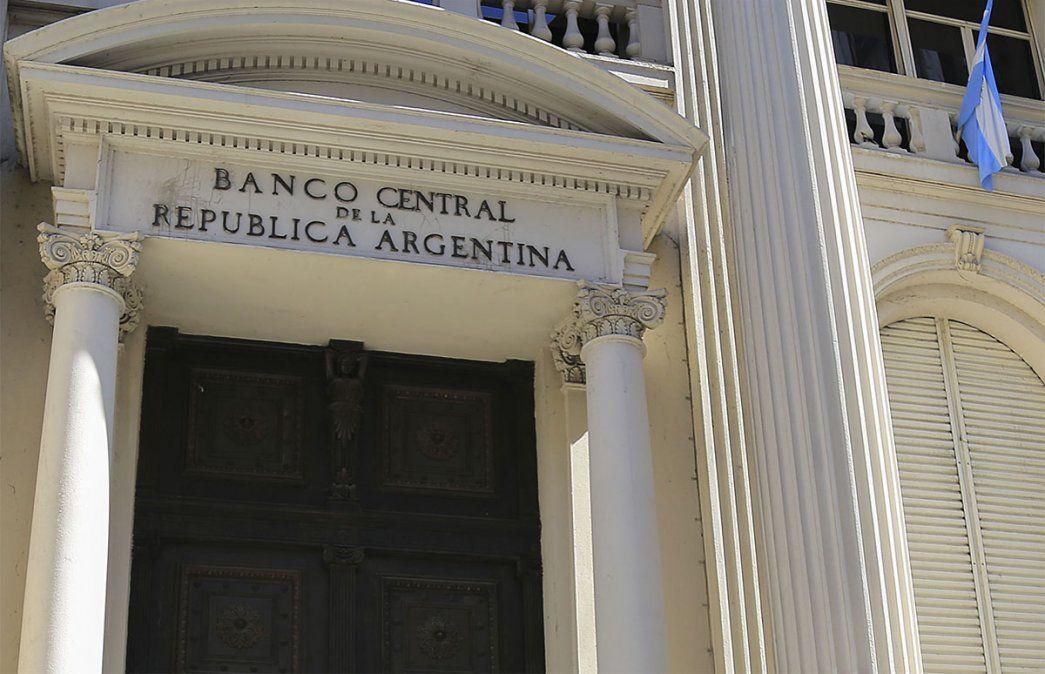 El Banco Central de la República Argentina (BCRA). El dólar y la brecha cambiaria no deja de ser una preocupación central. Foto: NA.