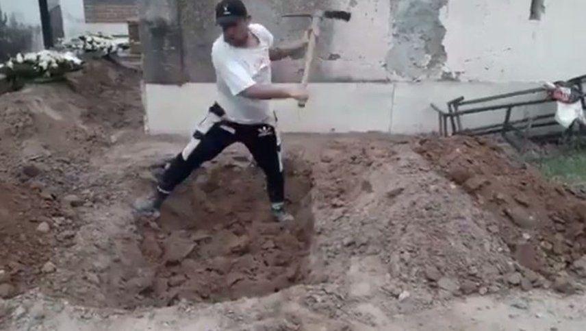 Coronavirus: cavó la fosa para enterrar a su madre en Jujuy, que está desbordada por la pandemia