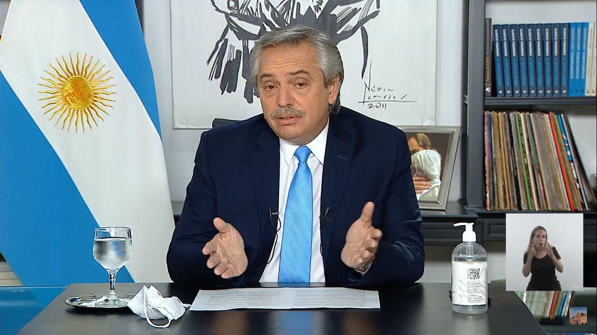 Alberto Fernández dio un mensaje grabado.