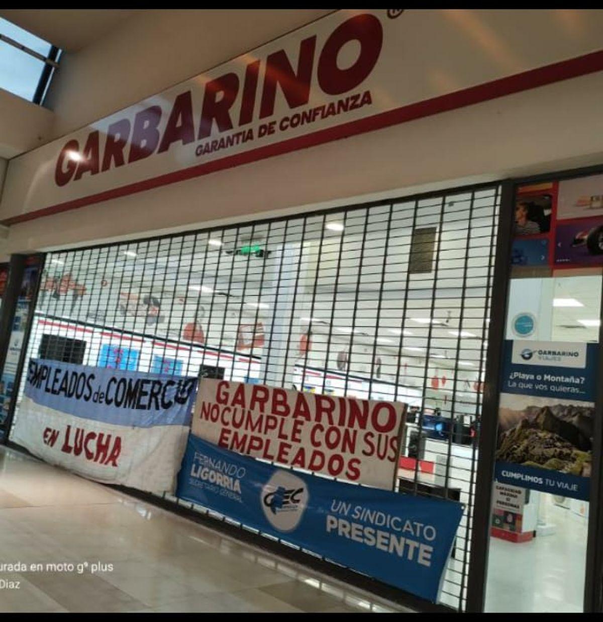 La sucursal del Shopping de Garbarino, donde se vivieron momentos de tensión.