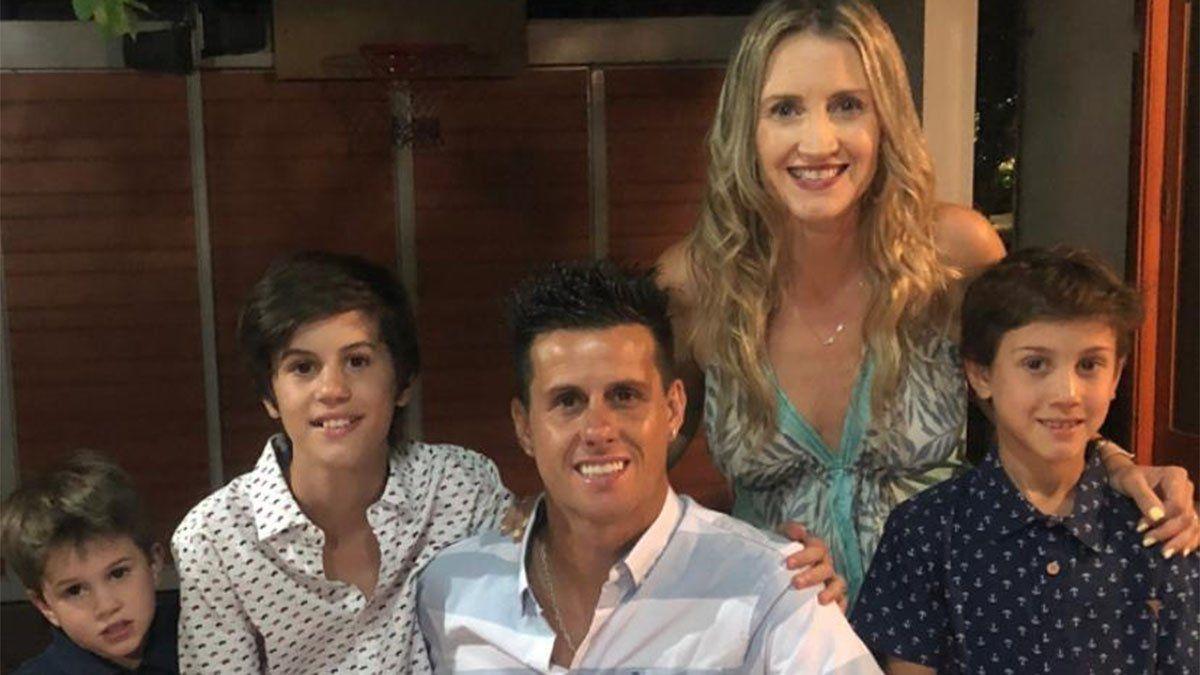 Diego Rivarola posa con su linda familia en Chile.