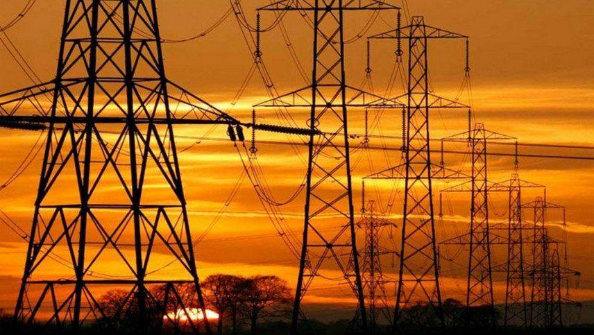 La red energética se recompone lentamente en todo país