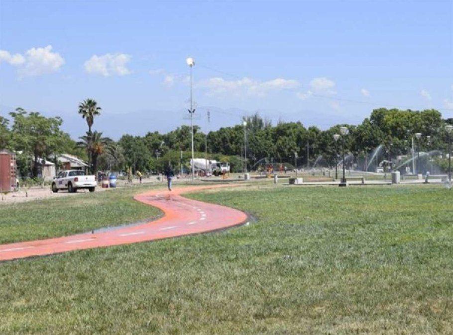 Un verdadero caos se desató en Maipú luego de que un joven resultara muerto de un disparo en el Parque Canota. Otro adolescente fue apuñalado mientras huía.