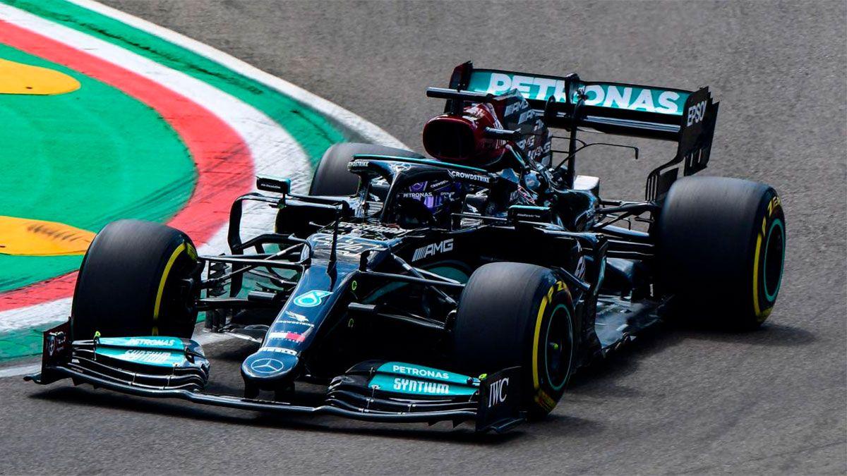 Lewis Hamilton hizo la pole en el GP de Emilia Romagna