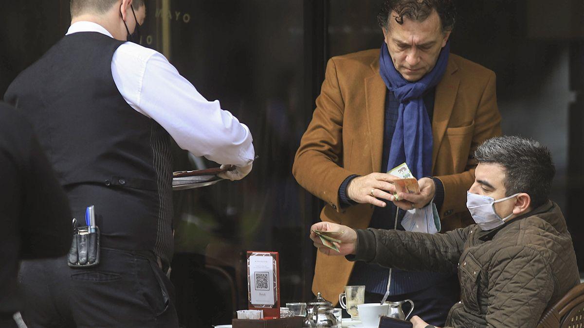 Los empresarios pymes del sector gastronómico recibirán como ayuda el Repro.