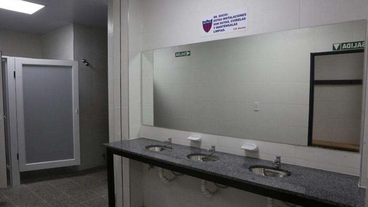 El estadio cubierto de Talleres quedó hecho una pinturita