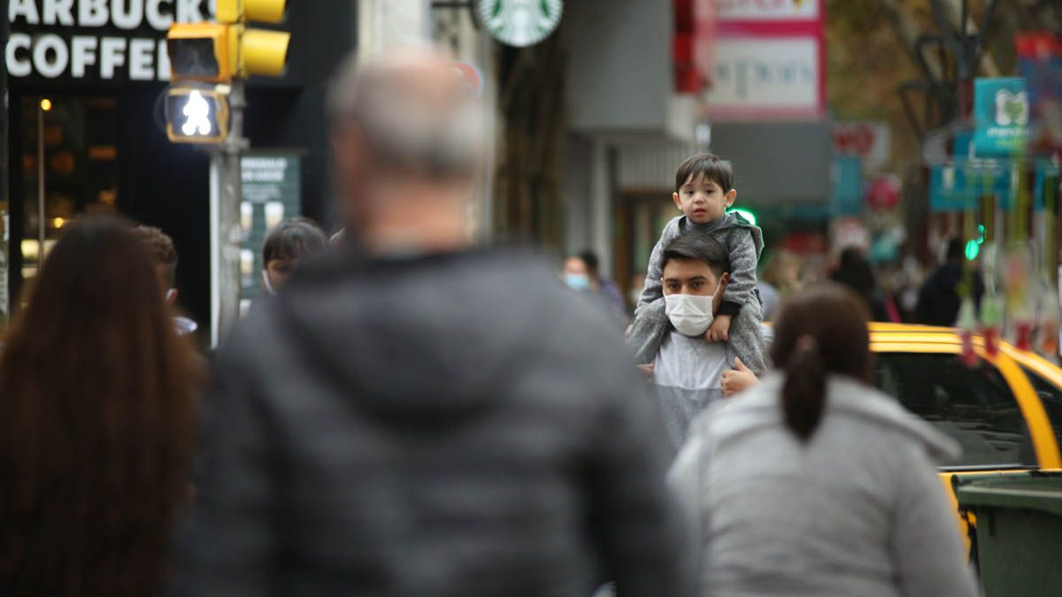 Más de 700 nuevos casos de Covid en Mendoza se registraron este lunes.