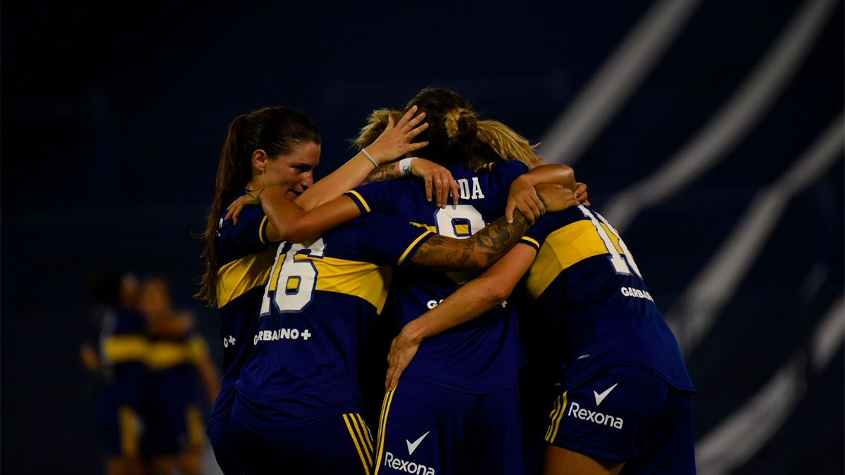 Boca goleó a River y es el primer campeón profesional