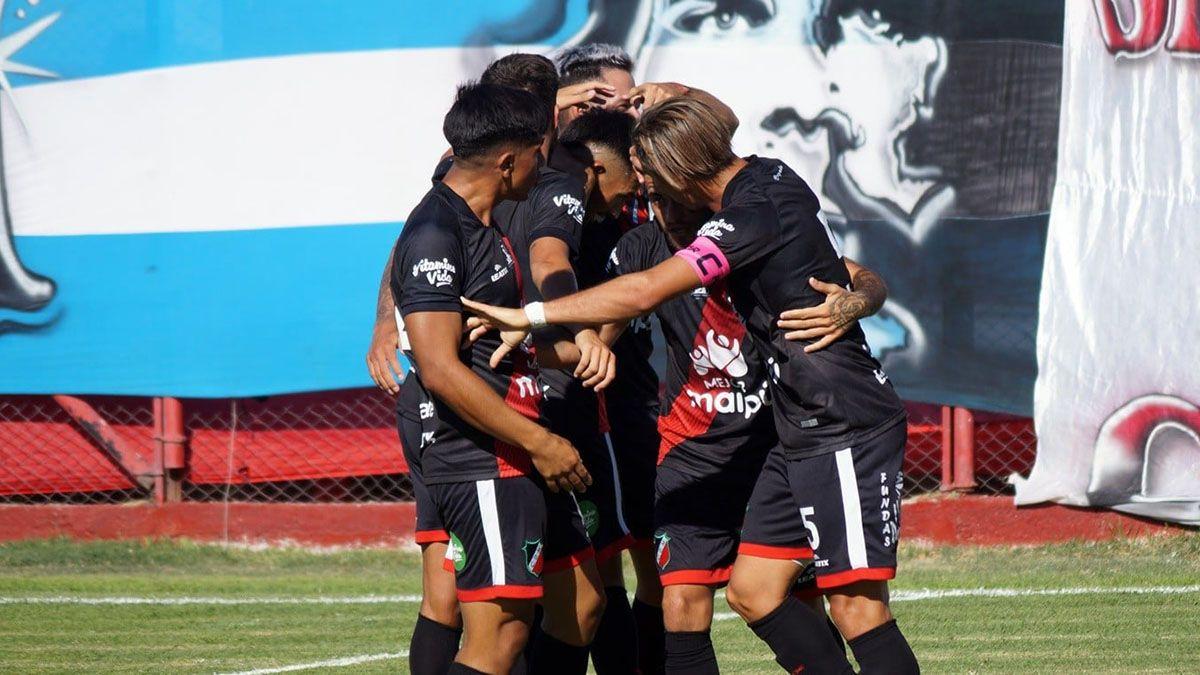 Deportivo Maipú va por otro triunfo que lo acerque al ascenso.