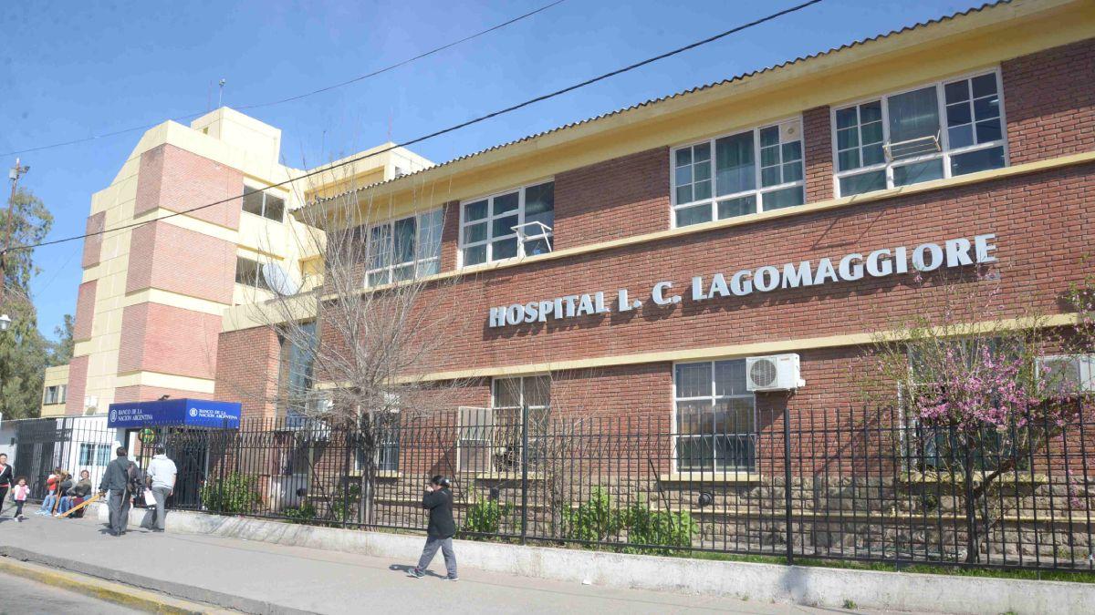 Dos motociclistas armados dispararon contra un grupo de jóvenes en el barrio Flores Sur y debieron ser trasladados al hospital Luis Lagomaggiore