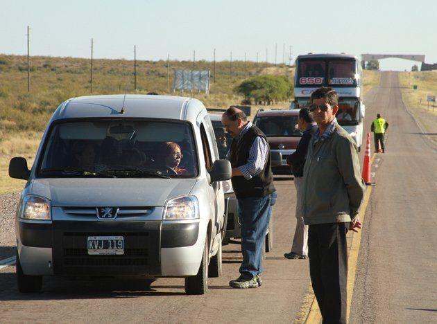 Amuppol cortó la ruta siete a la altura del Río Mendoza y en San Rafael ocurrió lo mismo en la Rotonda del Cristo