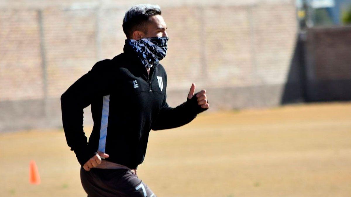 El delantero Nacho Morales espera que sea su momento en el Lobo. (Gentileza Prensa GyE).