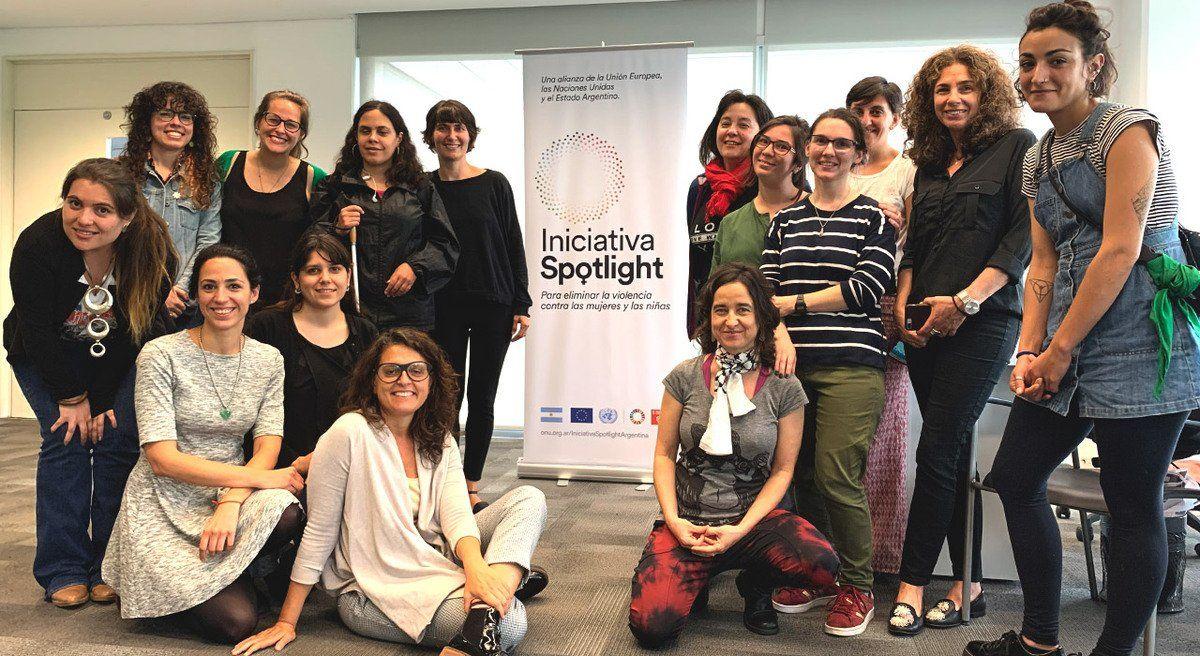 Un encuentro para incluir artículos sobre mujeres en Wikipedia