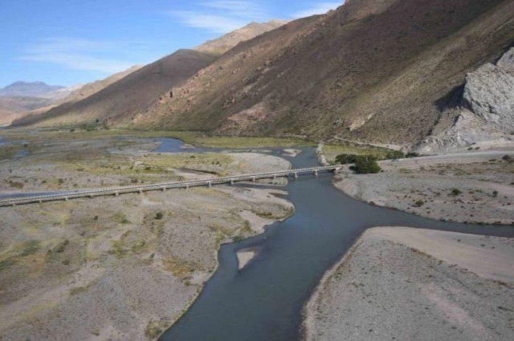 El pedido de incluir el trasvase del río Atuel en las obras de Portezuelo del Viento se volvió a instalar este fin de semana en la Fiesta de la Ganadería en Alvear.