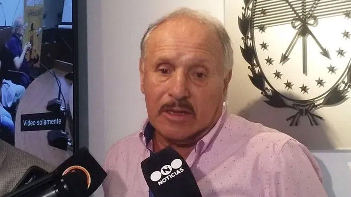 Leopoldo Jacinto Luque tiene 71 años y padece neumonía bilateral a causa del coronavirus.