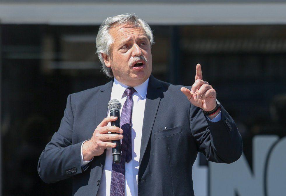 Alberto Fernández quiere que los gobernadores se hagan cargo de los cierres