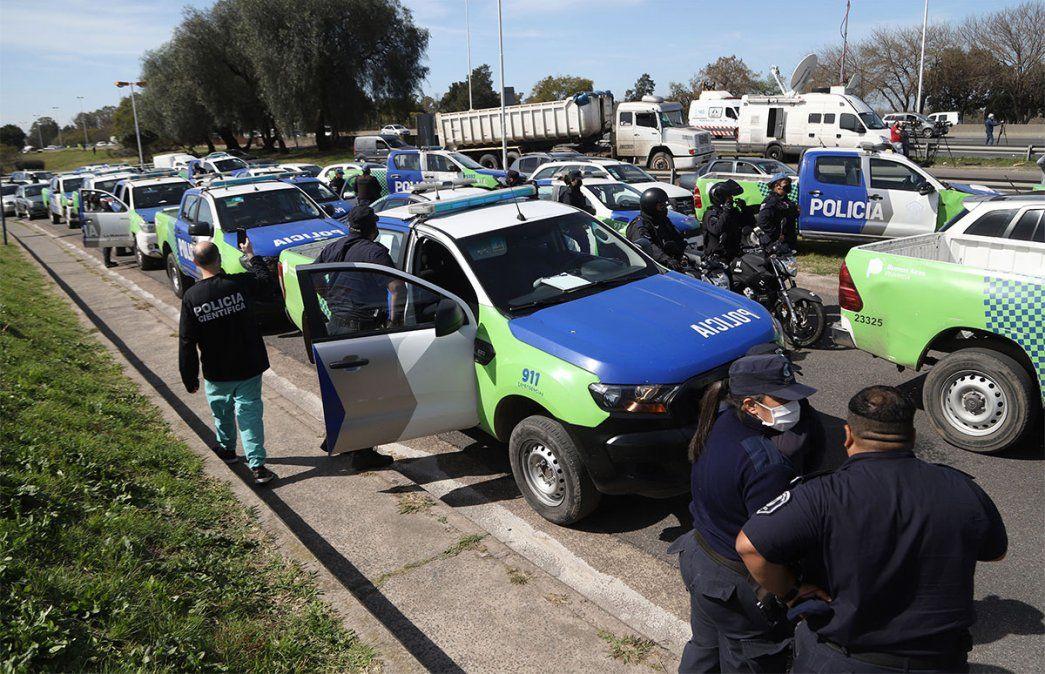 Caravanazo de la policía bonaerense en reclamo salarial. Foto: NA.