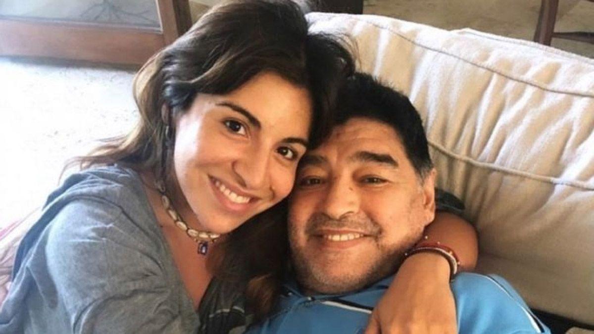 La emocionante foto inédita de Diego Maradona y su nieto Benjamín Agüero: El Babu haciendo de Babu