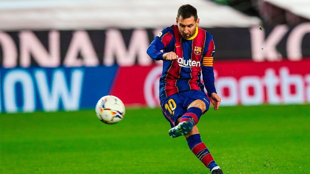Lionel Messi marcó un tremendo gol de tiro libre