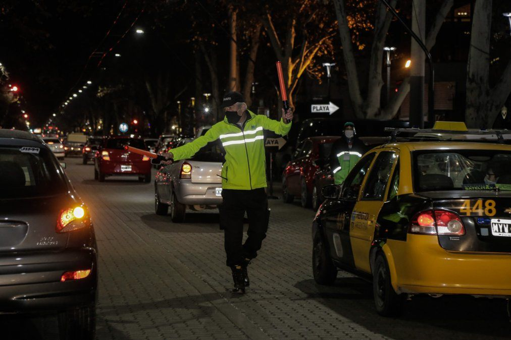 La estrategia de Ciudad es intensificar los controles nocturnos y en locales gastronómicos para evitar los posibles contagios de Covid
