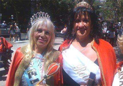 Las reinas de la Vendimia de la tercera edad pasearon por la Peatonal