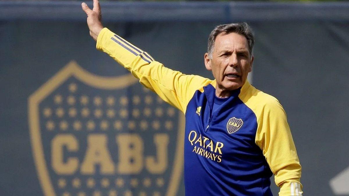 Miguel Russo planifica una semana clave para Boca.