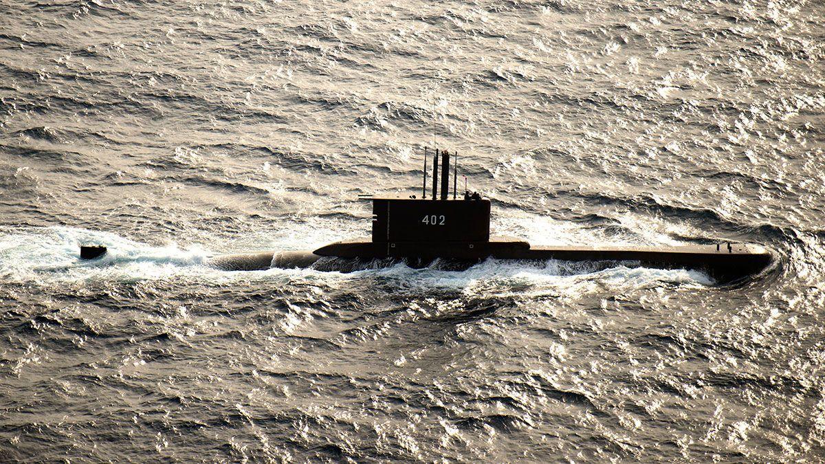 Apareció el submarino perdido en Indonesia: todos sus tripulantes están muertos