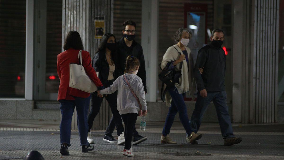Los casos de Covid de este lunes en Mendoza fueron 728.