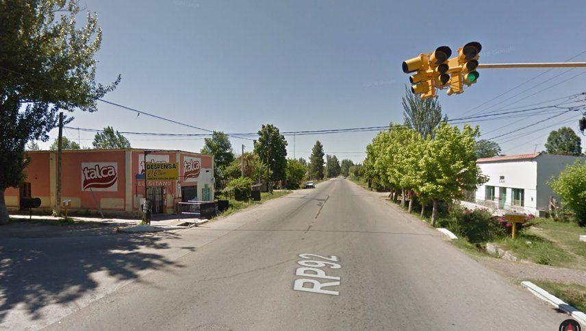 Un muerto y dos heridos en el choque de un auto contra un árbol