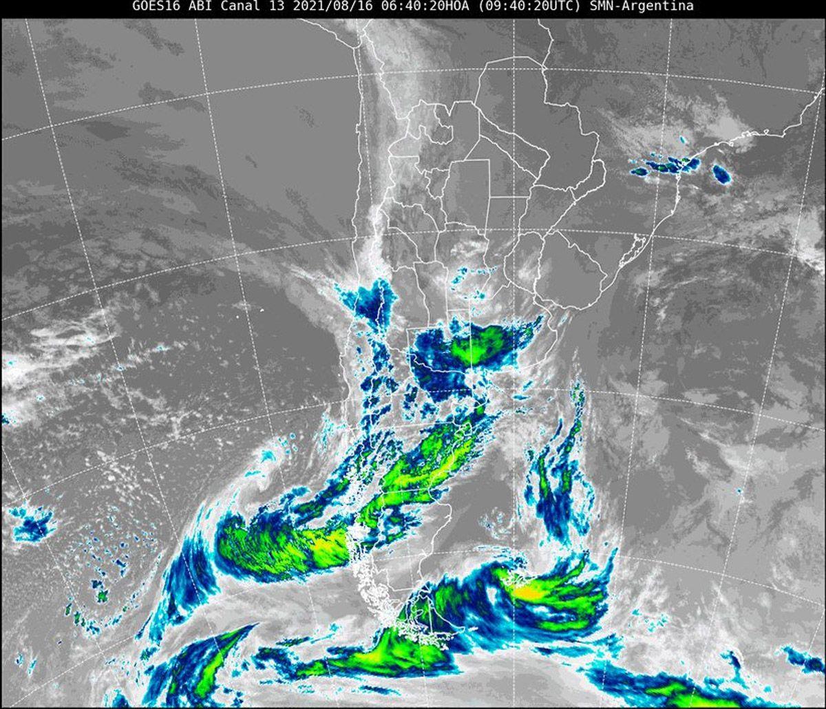 Pronóstico del tiempo: se espera para hoy y, fundamentalmente para el miércoles, la conjución de nevada y zonda en Mendoza