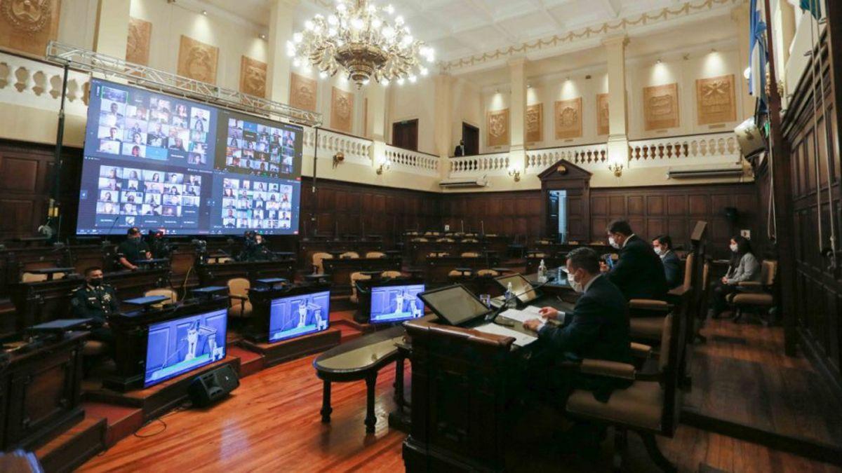 La Legislatura de Mendoza en un periodo especial.