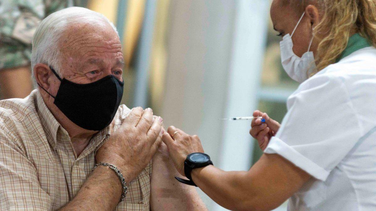 Covid: el jueves se terminan las vacunas en Mendoza
