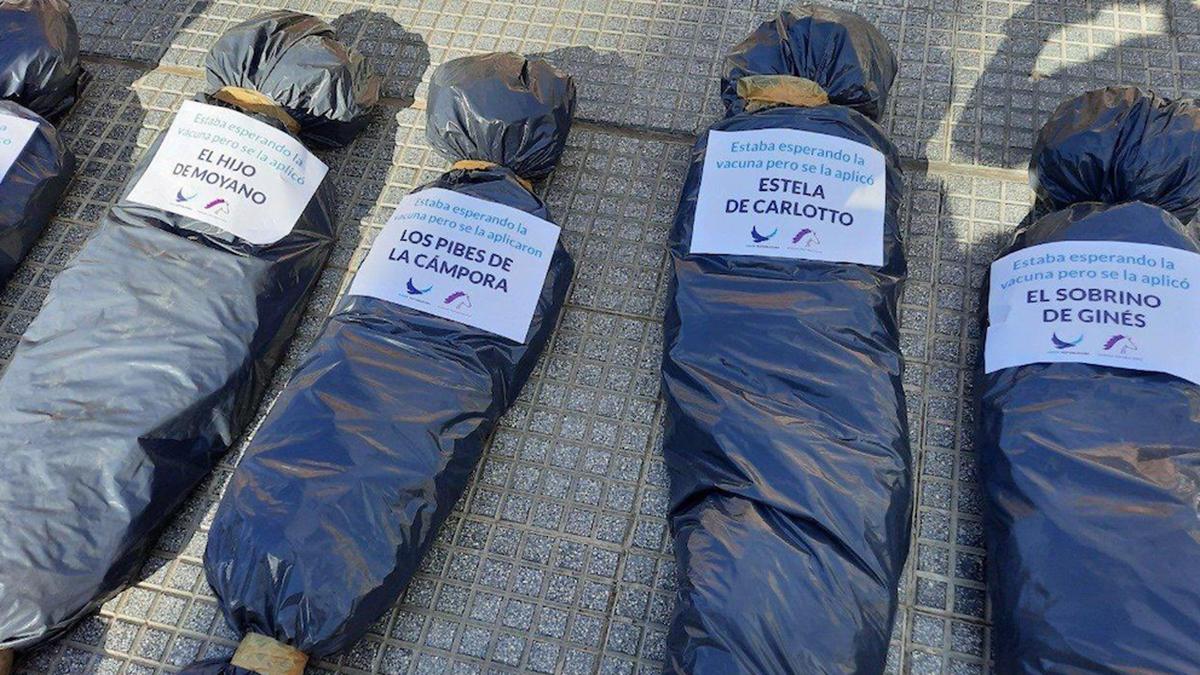Las polémicas bolsas mortuorias que el presidente Alberto Fernández criticó.