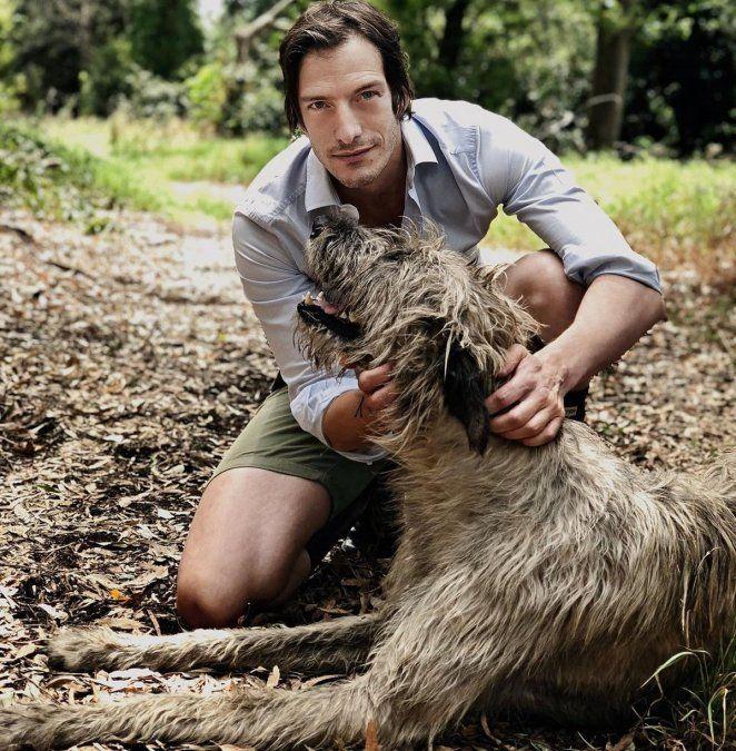 Iván de Pineda y su perro gigante son furor en las redes