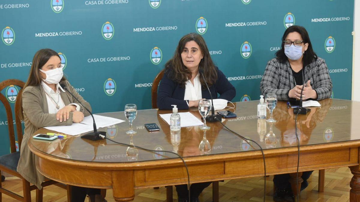 Mariana Álvarez, Ana María Nadal e Iris Aguilar.