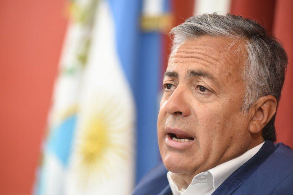 El diputado nacional Alfredo Cornejo atravesó su tercer día internado en el Hospital Central y su cuadro de neumonía evoluciona bien.