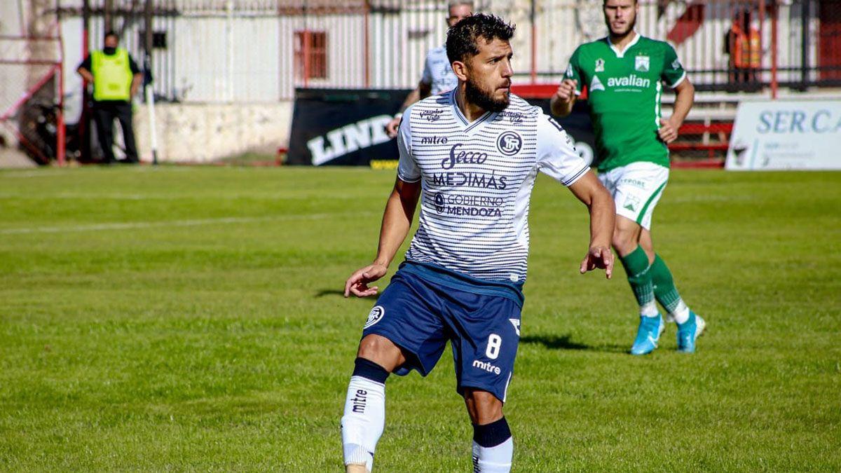 El volante Sebastián Navarro es uno de los jugadores experimentados de la Lepra.