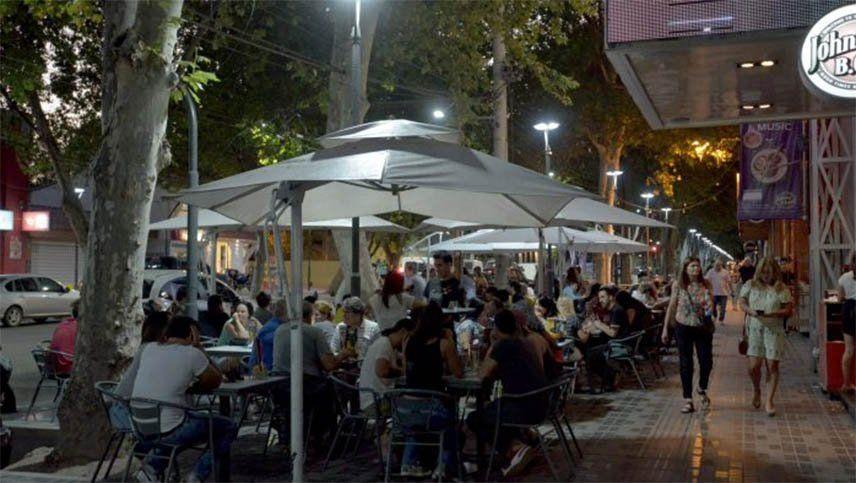 Esta es la declaración jurada que hay que llenar para ir a bares, cafés y restoranes de Mendoza