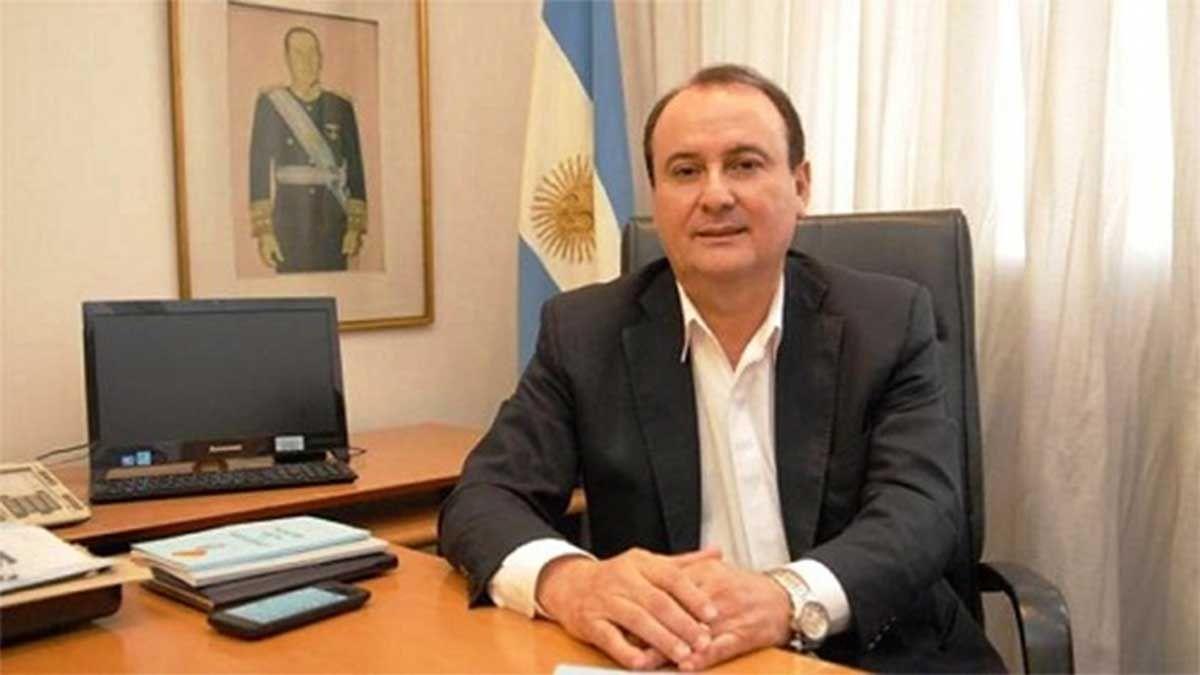 El oficialista Gerardo Montenegro sigue siendo investigado por firmar con Santiago del Estero contratos millonarios a través de cooperativas de él y su familia.