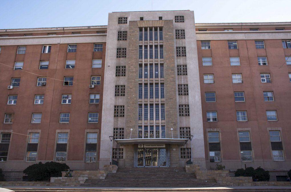 La Unidad Fiscal de Delitos Económicos funciona en los tribunales provinciales y atiende el caso de la constructora denunciada.