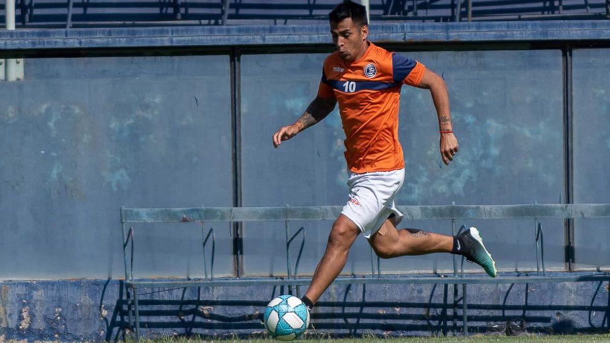 Diego Cardozo sueña con hacer un gol en el debut. Foto: Osvaldo Gagliardi.