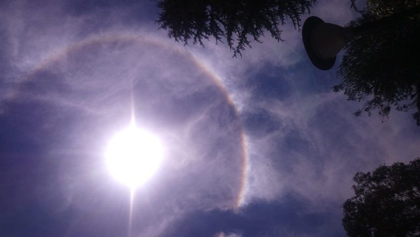 Qué es el arco iris que rodeó el sol en el cielo de Mendoza